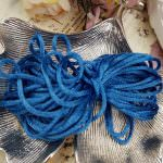 Французская атласная синель голубого цвета