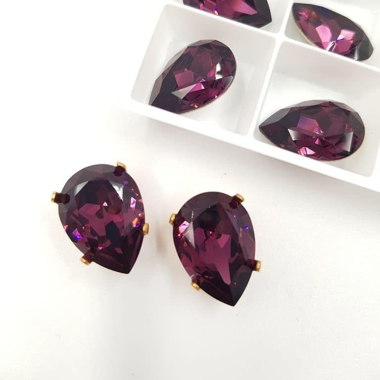 4320 Warovski Fancy Stone Pear Shape Amethyst