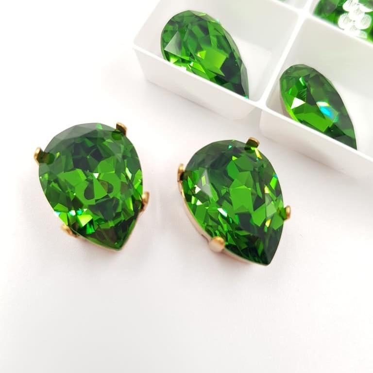 4320 Warovski Fancy Stone Pear Shape Fern Green