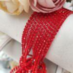 Окрашенная стразовая цепь: цвет красный