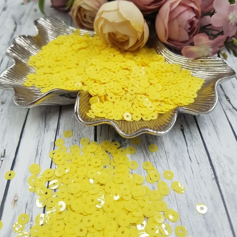 MP4-2134 Opaline Lemon Yellow Italian Sequins, Andrea Bilics