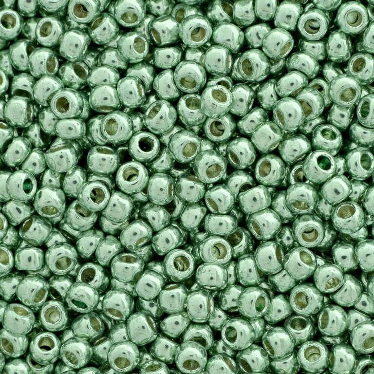 Toho seed beads TR-15-PF570