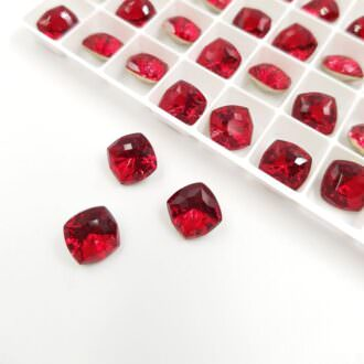 Swarovski Fancy Stones Mystic Square FS Scarlet 8mm 5526289