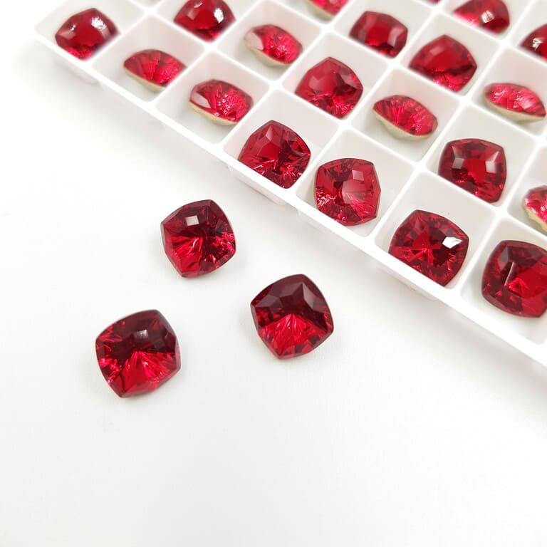 Swarovski Fancy Stones Mystic Square FS Scarlet 8mm 5526289