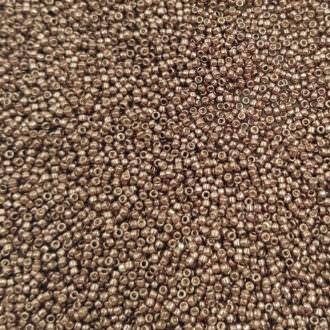 Toho seed beads TR-15-556